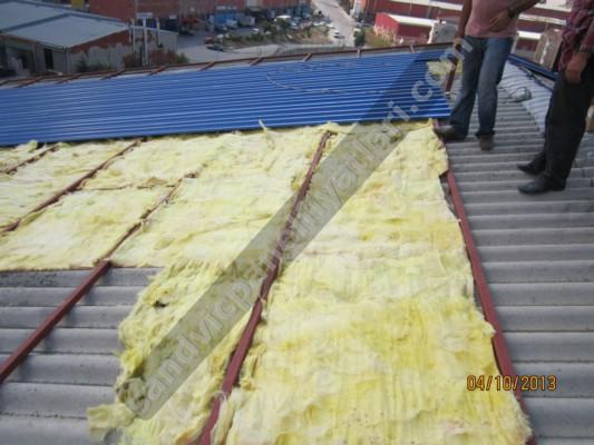 çatı ustası işi bitirirken